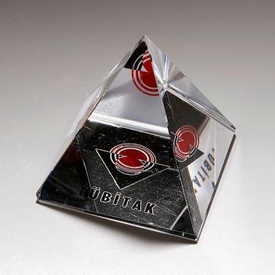 CO 223 Piramid