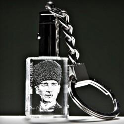 - Sivil Kalpaklı Atatürk Anahtarlık