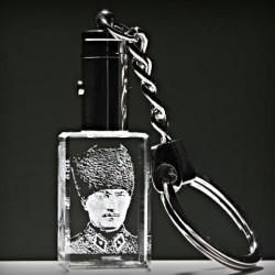 - Kristal Askeri Kalpaklı Atatürk Anahtarlık