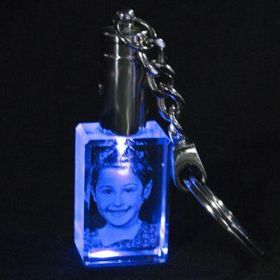 Kişiye Özel Kristal 30x20x15 Mavi Işıklı Anahtarlık